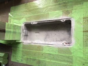 フロアヒンジ写真4防錆塗装